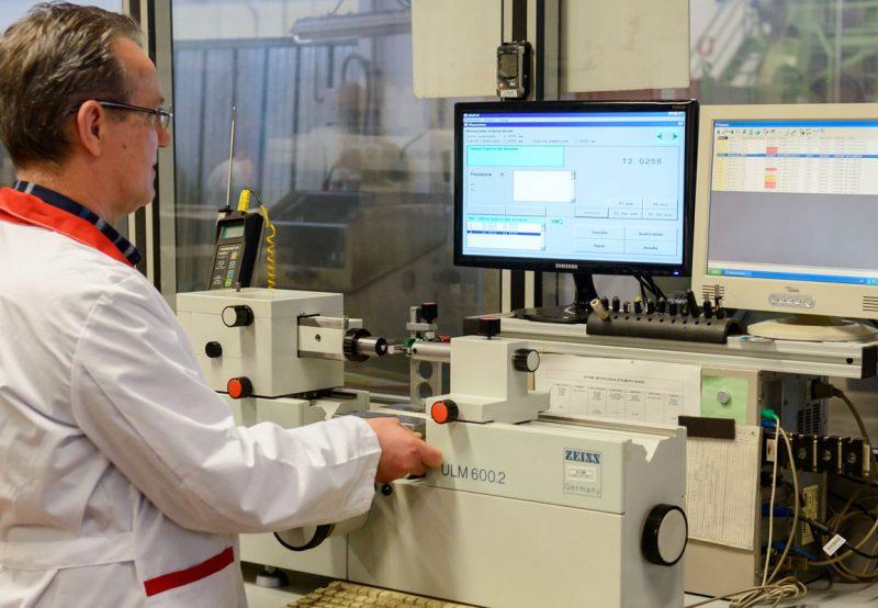 misurazione lavorazione metalli tornio